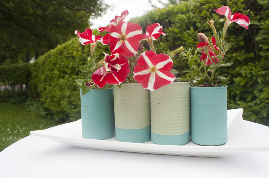 My next craft project: upcycled tin can vases