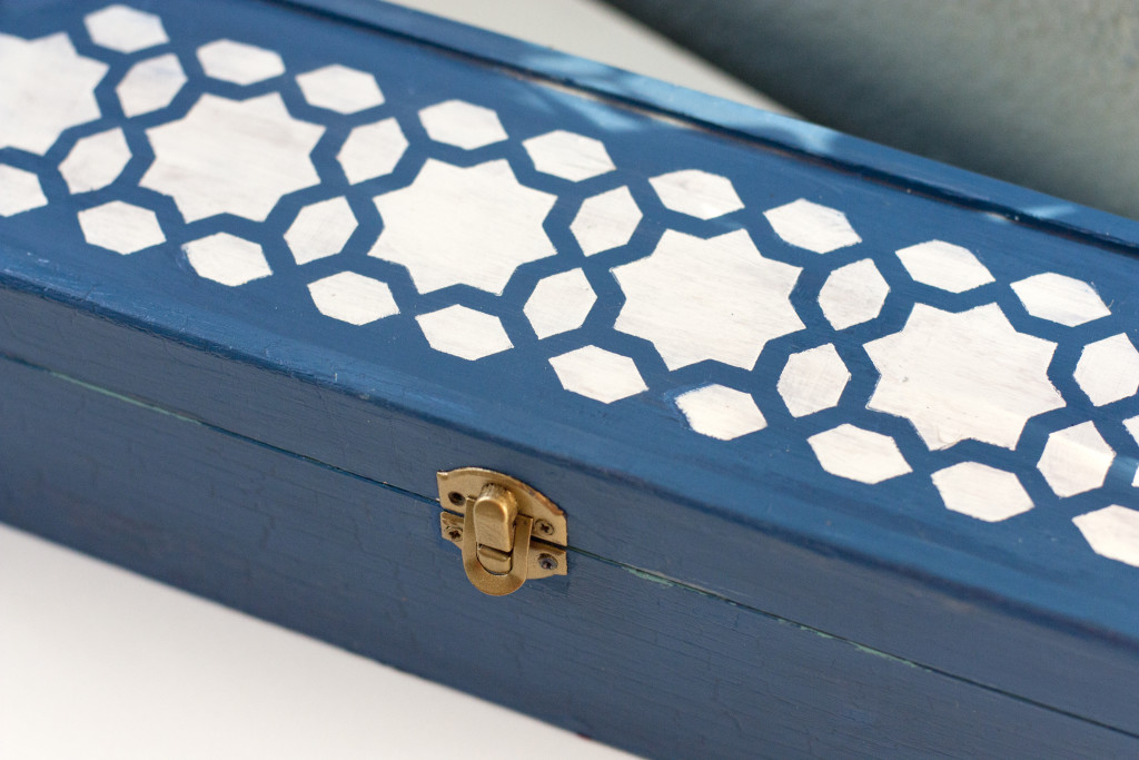Transform a boring box into a pretty accessory
