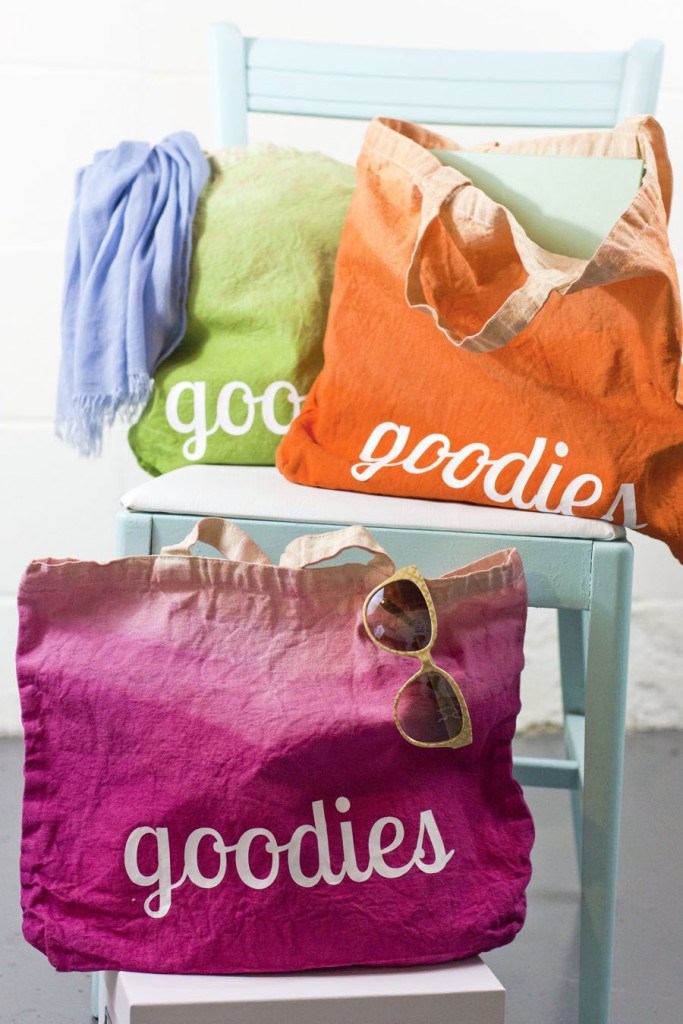 Can you get any cuter? Such a sweet DIY ombre tote bag using Rit dye and Silhouette lettering.