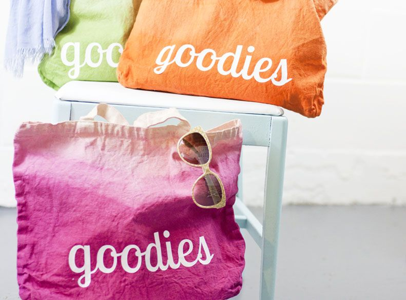 What a super cute and cheery Silhouette project! Use HTV material to make this DIY ombre tote with Rit dye.