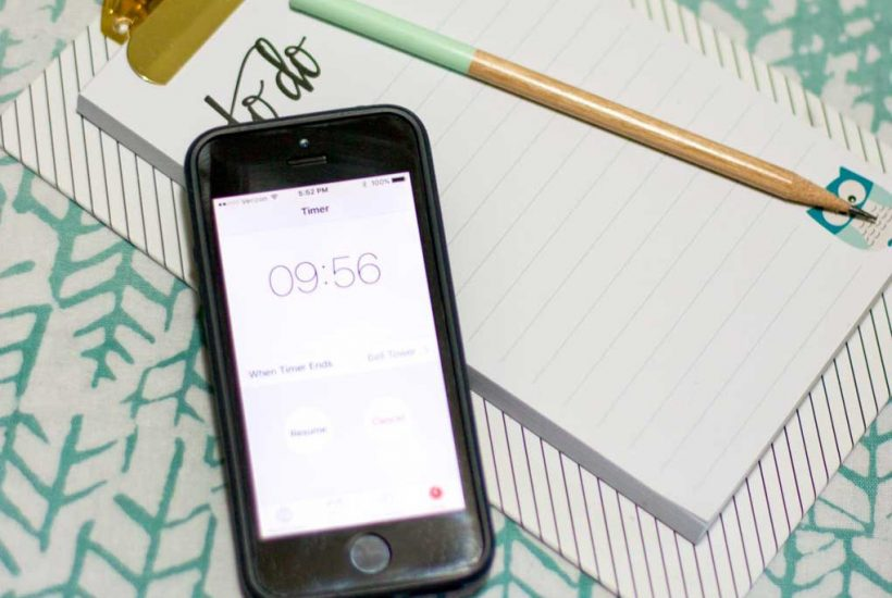 Set a timer and get stuff done. Love this productivity tip.