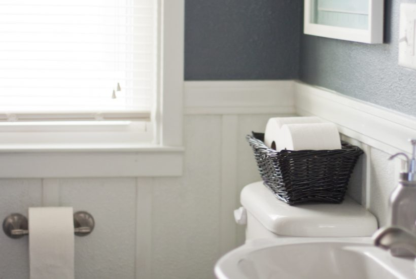 6 Tips For Creating A Guest Ready Bathroom (Plus A Printable Checklist!)