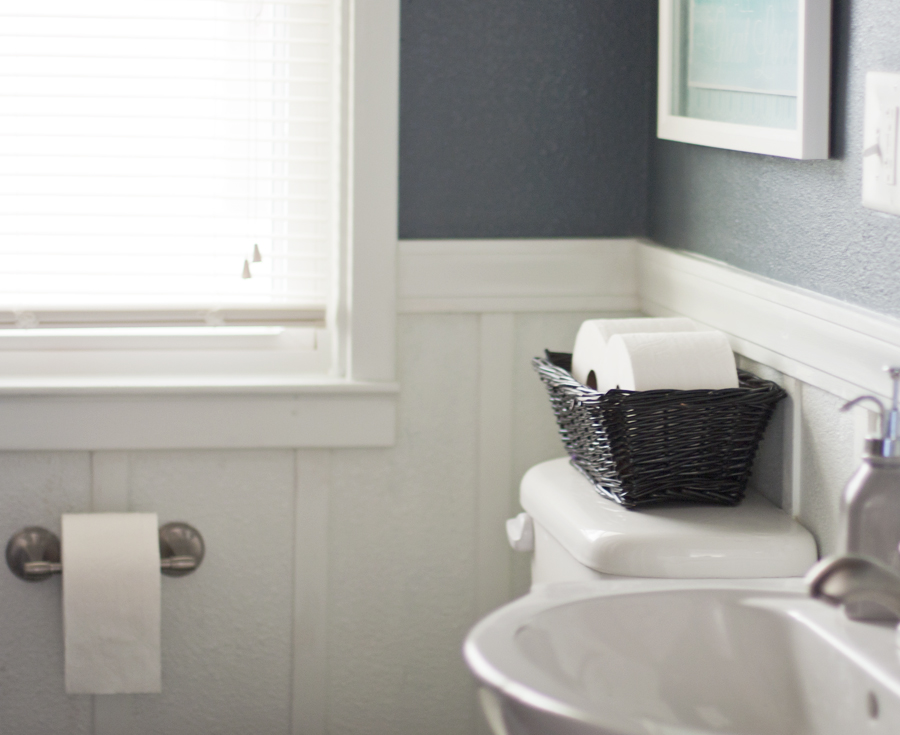 6 Tips For Creating A Guest Ready Bathroom (Plus A Printable