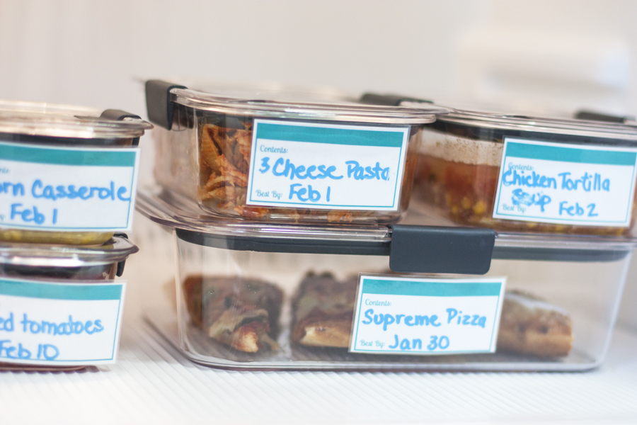 Need ideas for organizing the fridge, especially organizing leftovers? Check out these tips and download the free printable leftover labels to get organized.