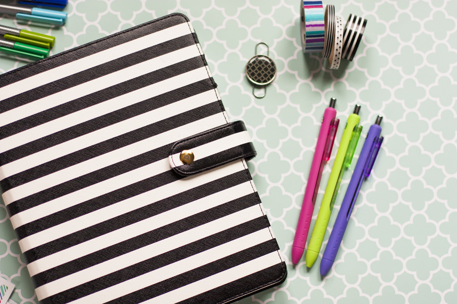I love paper planners! This is a great tour of the Inkwell Press planner and how she's using it to stay organized. Time to get around to organizing a planner of my own!