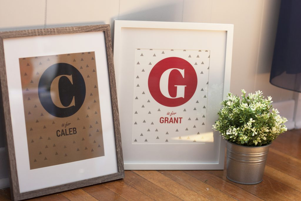 Want to learn how to use Canva to create DIY baby gifts? The free Canva website makes it easy to DIY printable art on a budget. Love the video tutorial!
