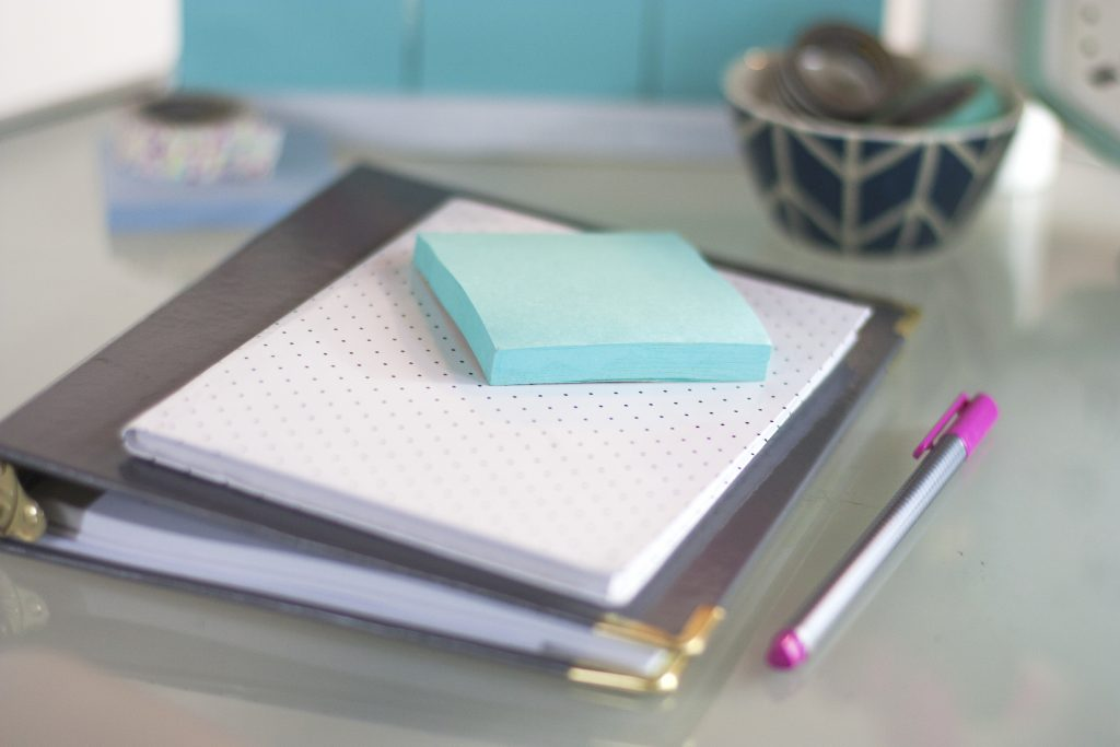 pretty-notebook-on-desk