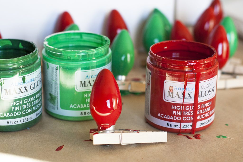 What a fun idea for an easy DIY Christmas card display! Love how glossy that paint is. #DecoArtProjects #ChristmasCards #ChristmasCardDisplay #Christmas #ChristmasDecor #DIYChristmas