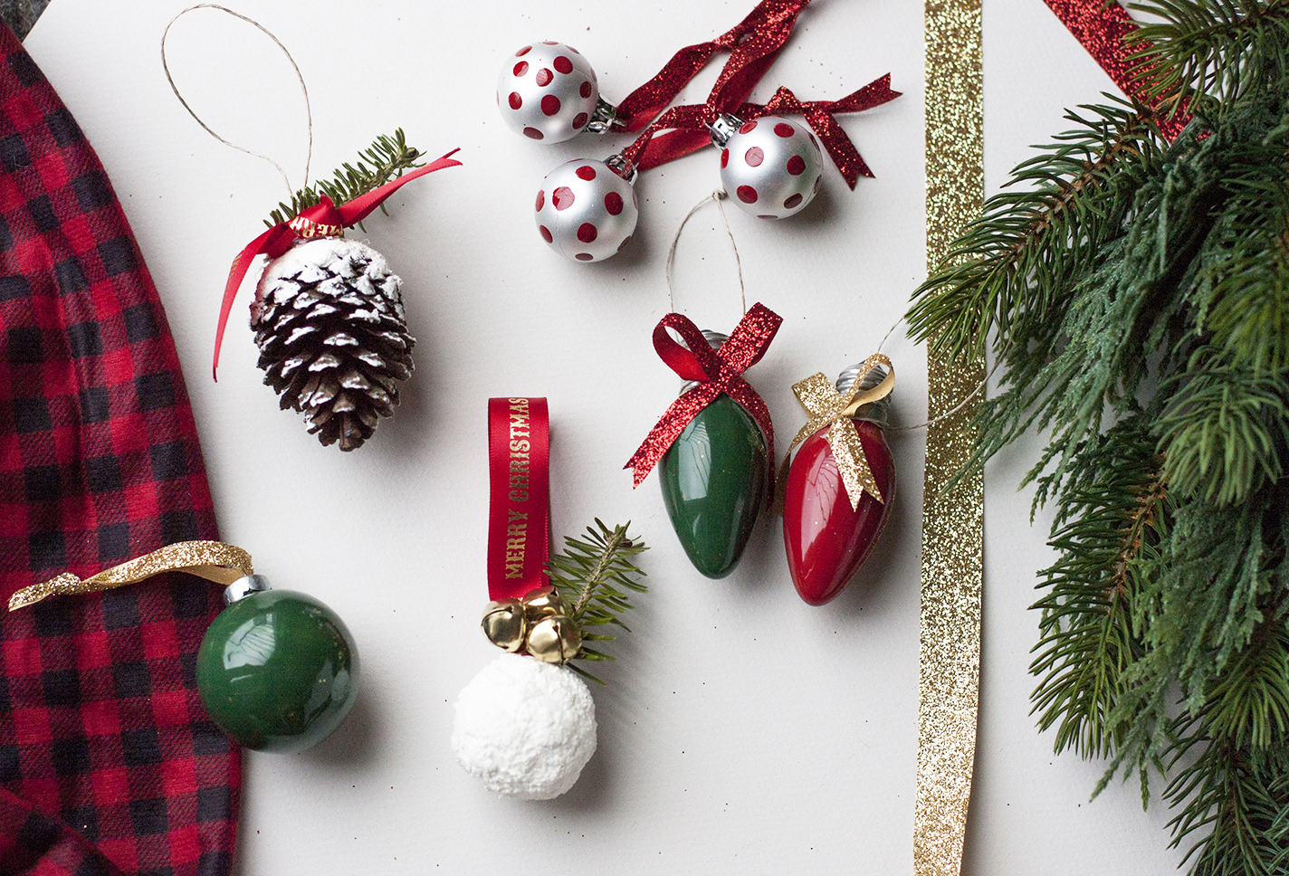 Looking For Some Easy DIY Christmas Ornament Ideas? Check These Out! Made  With Minimal