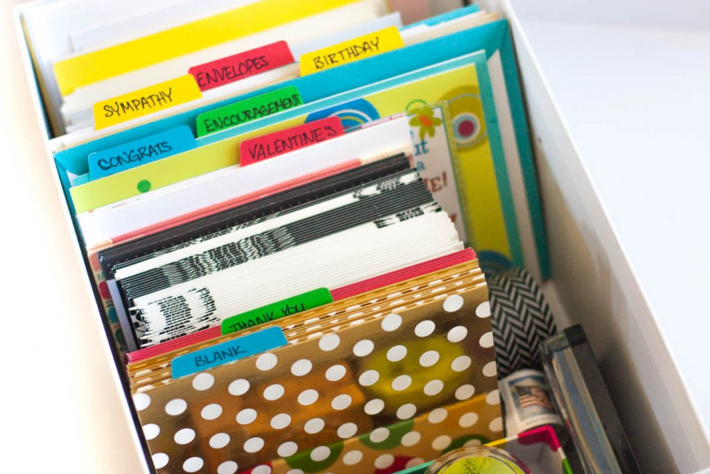 I LOVE this idea for organizing greeting cards! Genius and easy. Good idea to use tabs to create a custom greeting card organizer.