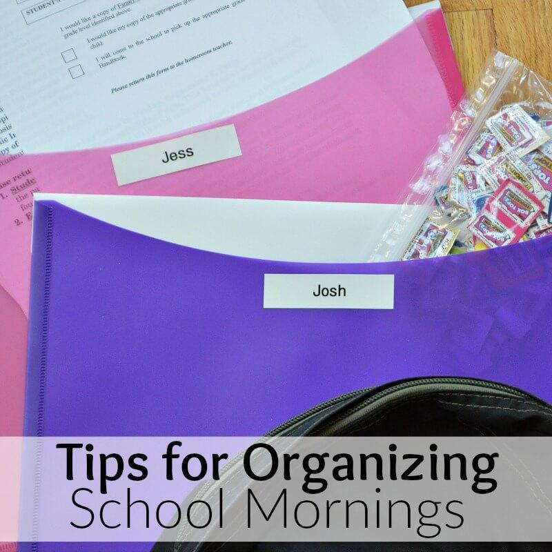 organizing-school-papers-in-folders