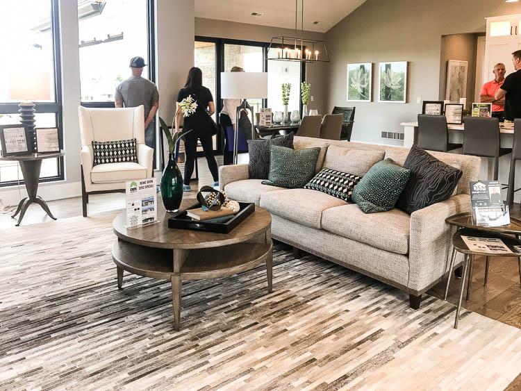 white-sofa-in-living-room