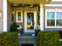 The 6 Elements of A Festive Front Porch