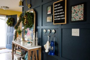navy-entryway-with-christmas-decorations