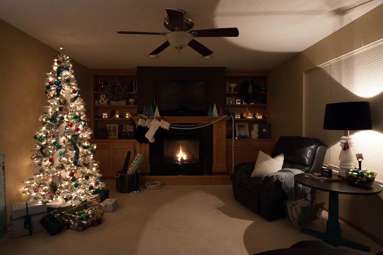 christmas-living-room-at-night