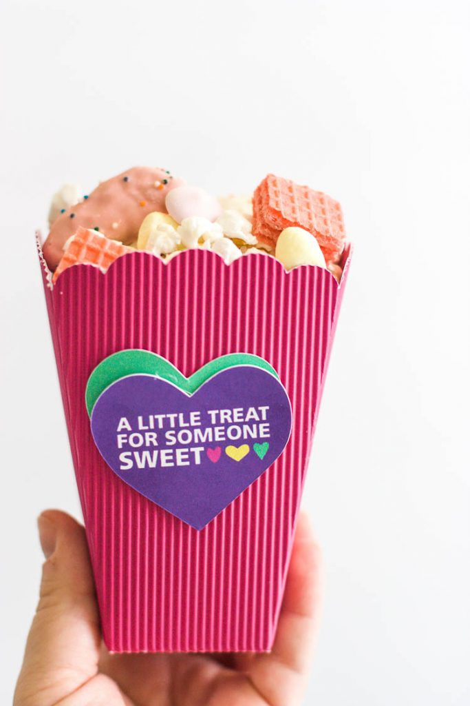 pink-treat-box-for-valentines-day