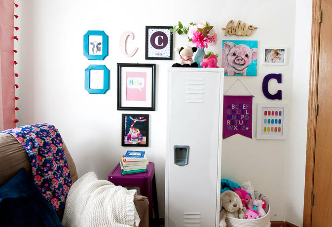colorful-nursery-gallery-wall