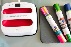 cricut-easypress-2-and-iron-on-vinyl-rolls-on-table