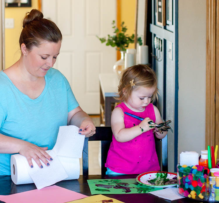 mom-and-toddler-painting-at-kitchen-table