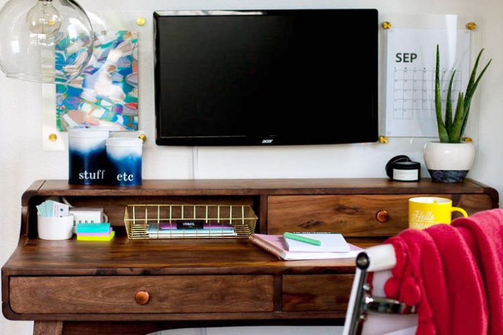 Organizing A Modern Home Office Nook