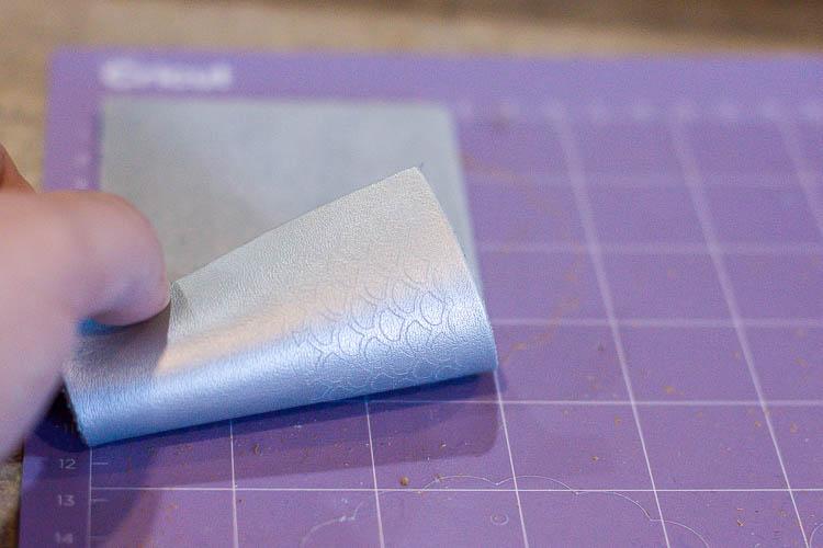 leather-on-purple-cutting-mat