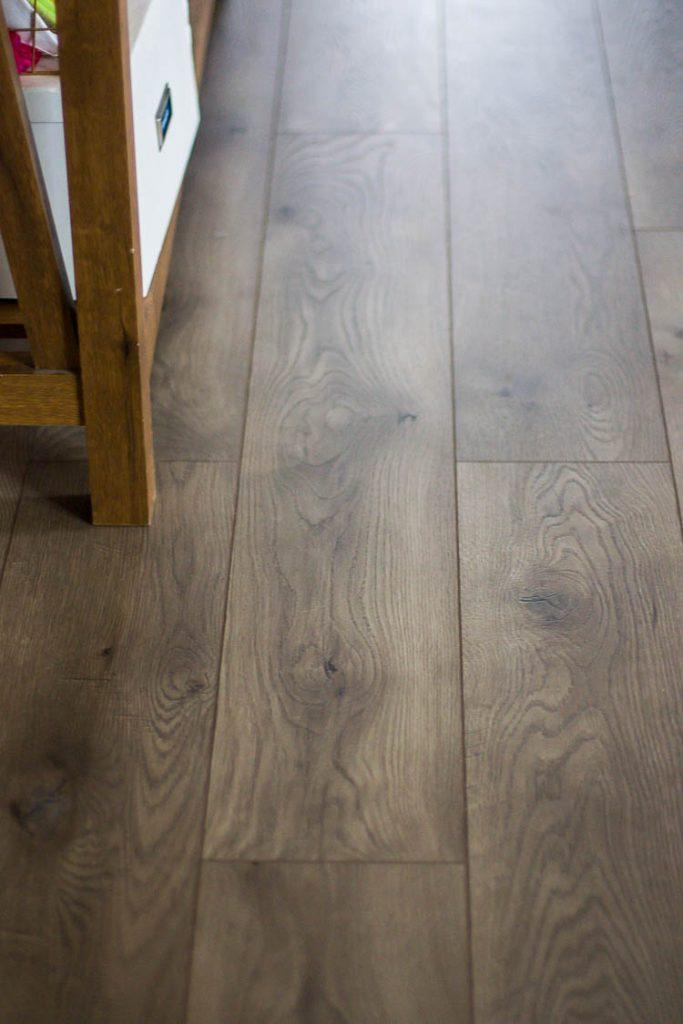 select-surfaces-warm-gray-laminate