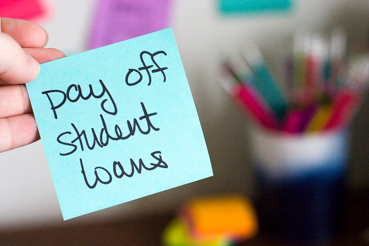 blue-postit-that-says-pay-off-student-loans