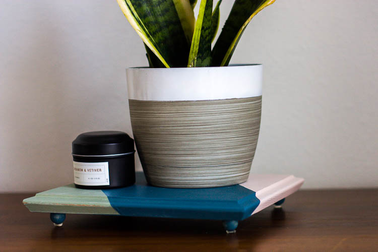 diy-wooden-tray-with-feet